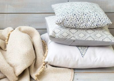 blankets and pillows storage