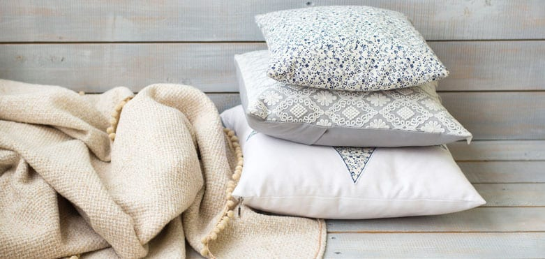 How to Store Blanket and Throws