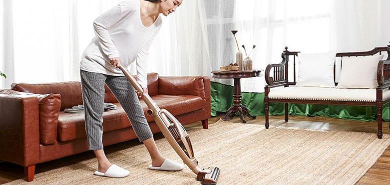 How To Split Up Vacuuming & Washing Floors